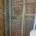 nasse Kellerwand - nach Entfernen der Vorsatzschale