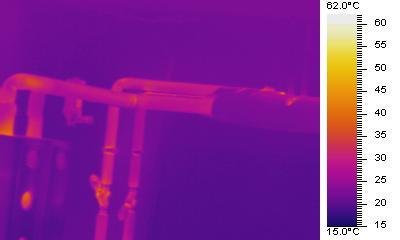 Infrarotbild-Heizungsrohre nach Dämmung