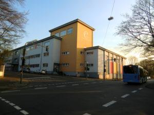Schon sanierte Schule in Wuppertal